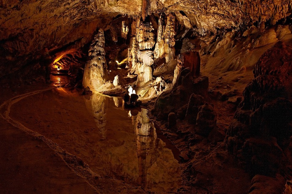 Grotte d'Osselle. Que faire ce week-end ? Visiter le Doubs